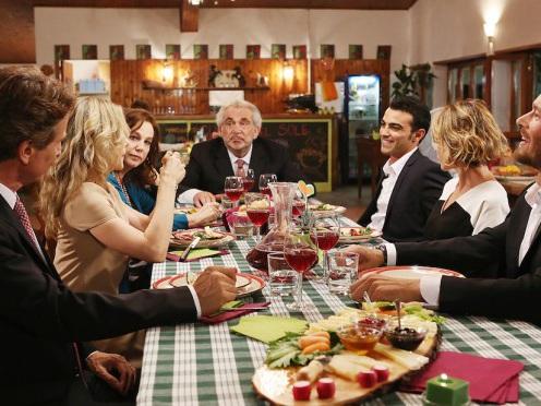 Ascolti Tv, 21 aprile 2015: Una grande famiglia 3 a 5,2 mln; La frode a 2,5 mln