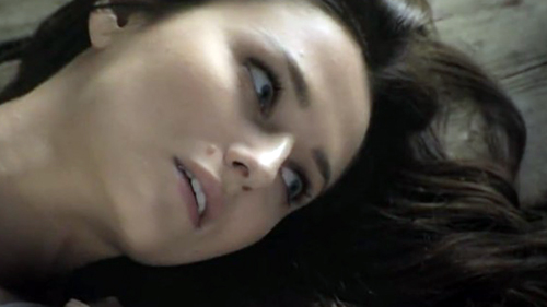 Le tre rose di Eva 3: Aurora muore tra una pioggia di polemiche e il direttore Endemol non ci sta