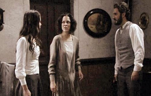 Anticipazioni Il Segreto, trama settimanale 4 – 9 maggio 2015: Jacinta colpisce Aurora e Tristan, replica streaming
