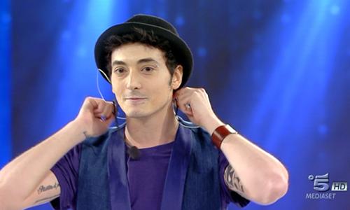 Amici 14 serale 2015: eliminato Luca Tudisca e Briga litiga con la Bertè che offre una canzone al cantautore