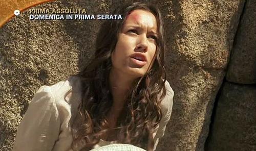 Anticipazioni Il Segreto, puntata serale del 5 luglio 2015: Jacinta rapisce Aurora, replica streaming