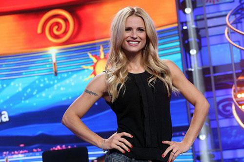 Michelle Hunziker replica alle critiche contro Aurora Ramazzotti: da Striscia la Notizia agli altri impegni tv