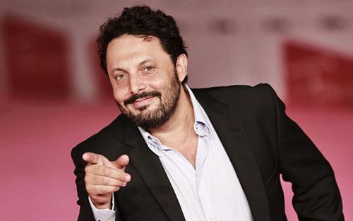 Anticipazioni Tale e Quale Show: Enrico Brignano quarto giurato nella seconda puntata