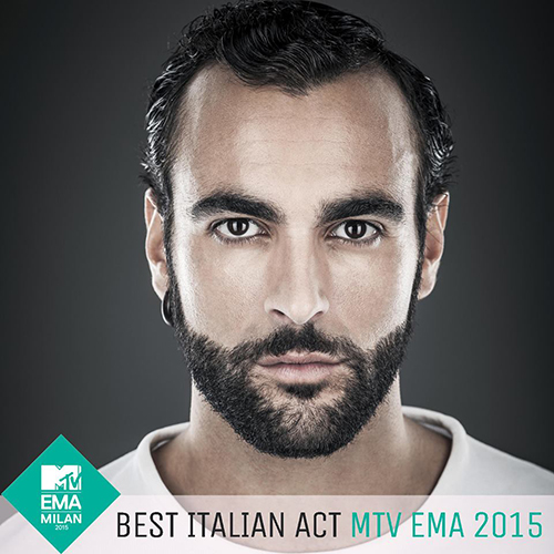 Marco Mengoni si aggiudica il Best Italian Act 2015 e vince su Fedez, J-Ax, Tiziano Ferro e i The Kolors