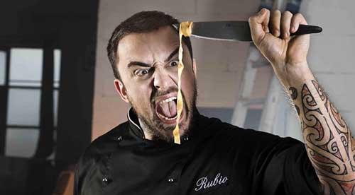 Film Tv, Unto e Bisunto – La vera storia di Chef Rubio: stasera su Dmax l'appassionante biopic dello chef tatuato