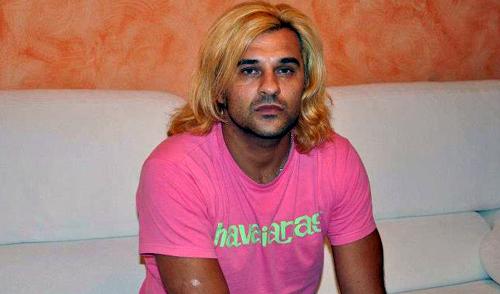 Grande Fratello 2015: Mauro Marin 'scimmiotta' Rebecca, ecco lo squallido caso di omofobia – VIDEO