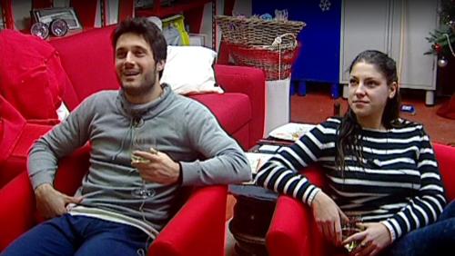 Gossip Grande Fratello 2015: Simone prova qualcosa per Federica? Abbracci e coccole in garage