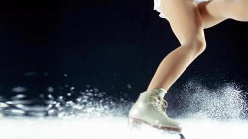 Capodanno on Ice: stasera 30 dicembre 2015 si Italia 1 con Bianca Atzei e Dear Jack, info streaming