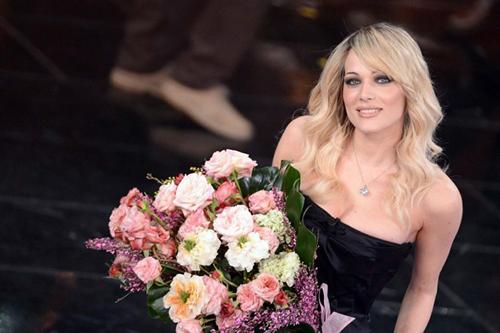 Sanremo 2016: Laura Chiatti e Vanessa Incontrada vallette insieme a Virginia Raffaele?