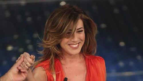 Virginia Raffaele imita Sabrina Ferilli a Sanremo 2016 (Video 9 febbraio)