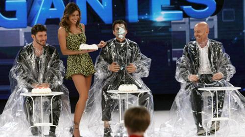 Pequenos Gigantes, anticipazioni finale dell'11 marzo 2016: chi vincerà? Ospiti Stadio e Tina Cipollari