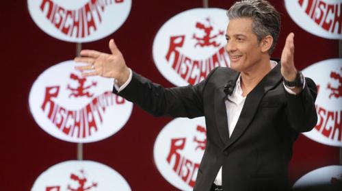 Ascolti Tv: Rischiatutto stravince contro Ciao Darwin 7, Rosario Fiorello torna in TV dopo 5 anni