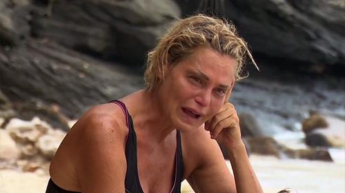 Isola dei Famosi 2016, la regina ha perso il trono: Simona Ventura eliminata, il gioco finisce qui