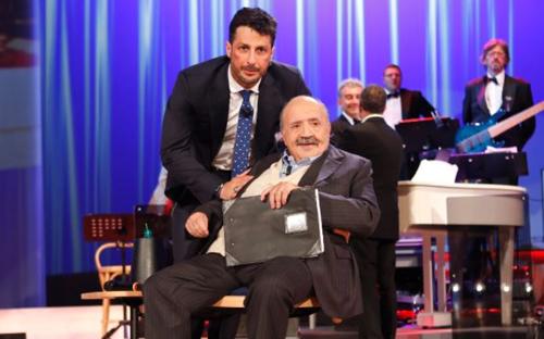 Maurizio Costanzo Show, anticipazioni 8 maggio 2016: Fabrizio Corona e l'Uno contro tutti