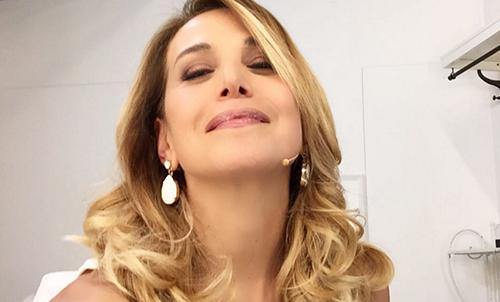 """Gossip News: Emma Marrone in hotel con Borriello, Barbara d'Urso mamma affettuosa, Marco Mengoni """"sirenetto"""""""