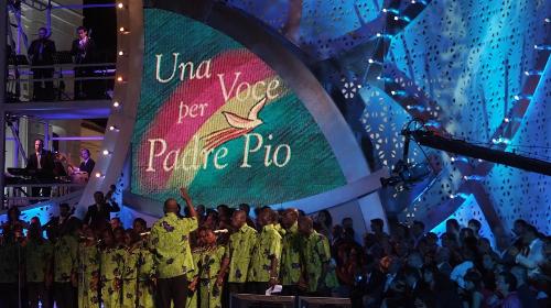 Una voce per Padre Pio, anticipazioni 23 luglio 2016: Chiara Grispo, Dolcenera, Dear Jack tra gli ospiti