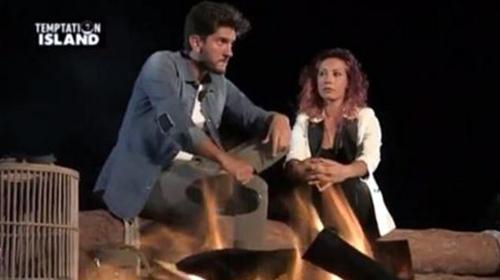 Temptation Island 2016, gossip news: Ernesto Carnevale e Gabriella Teodosio sono tornati insieme? Una foto riaccende le speranze
