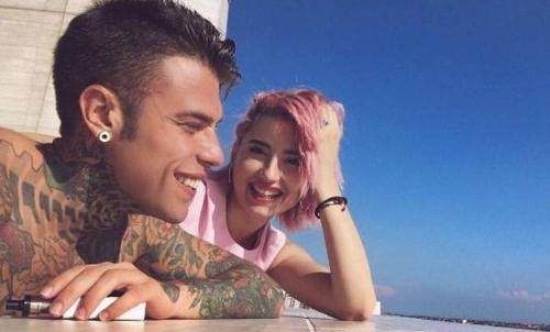 Gossip News: Emma e Stefano De Martino al mare con Maria De Filippi e Costanzo, cosa c'è tra Fedez e Greta Menchi?