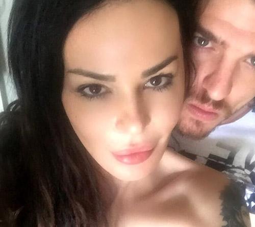 """Nina Moric rompe il silenzio a tre giorni dalla sua """"scomparsa"""": video su Facebook, pioggia di critiche e nuova replica"""