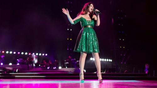 Laura Pausini, Simili San Siro 2016: #igrandiconcerti di Canale 5, stasera 6 settembre, info streaming