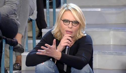 """Uomini e Donne, Maria De Filippi spiega il trono gay: """"La Tv deve rispecchiare la realtà, Claudio Sona? Tranquillo e risolto"""""""