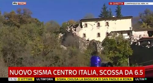 Terremoto Centro Italia, scossa 6.5: i live in Tv, edizioni straordinarie e All News in prima linea