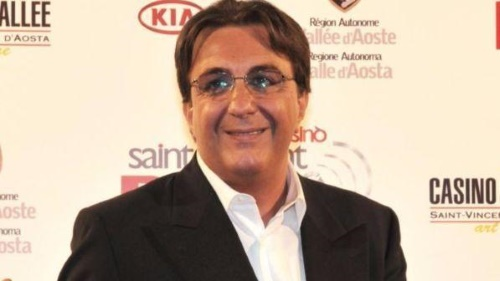 Franco Nisi è morto: addio alla storica voce di Radio Italia, autore di Mike Bongiorno e altri personaggi tv