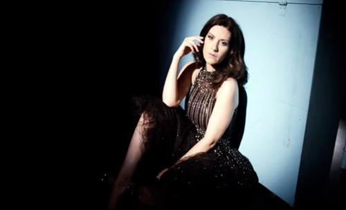 Laura Pausini, 200 note è il nuovo singolo scritto da Tony Maiello: ecco il VIDEO