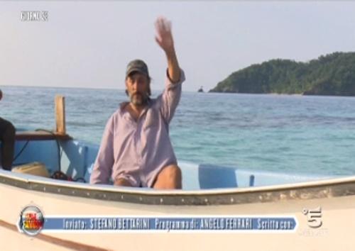 Isola dei Famosi 2017, news: il ritiro di Massimo Ceccherini dopo una lite con Raz Degan, televoto annullato