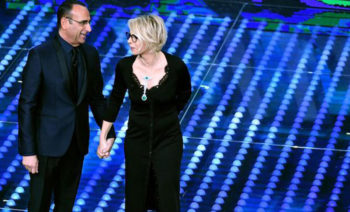 Italian hosts Carlo Conti and Maria De Filippi on stage during the 67th Festival of the Italian Song of Sanremo at the Ariston theater in Sanremo, Italy, 08 February 2017. The 67th edition of the television song contest runs from 07 to 11 February.     ANSA/ETTORE FERRARI