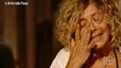 Isola dei Famosi 2017, news: Eva Grimaldi, il commovente addio alla madre