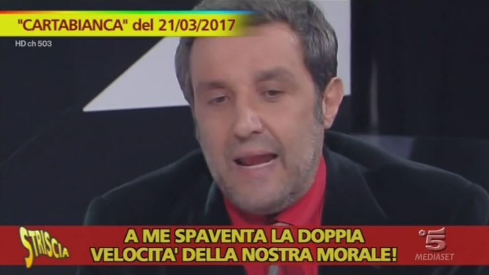 """Flavio Insinna stasera, 30 maggio a Cartabianca: """"Una persona potente contro di me, ho paura"""", le dichiarazioni al Corriere"""