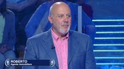 Caduta Libera, da Mafia Capitale a Gerry Scotti: chi è Roberto, il concorrente di Roma
