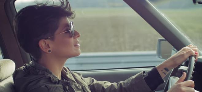 Alessandra Amoroso nella bufera: senza cinture di sicurezza nel video di Comunque andare, interviene l'Asaps