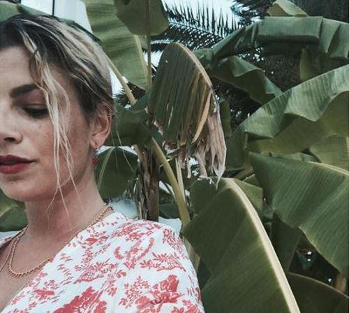 "Emma Marrone scalda i social e la ""finta"" Belen Rodriguez la commenta"