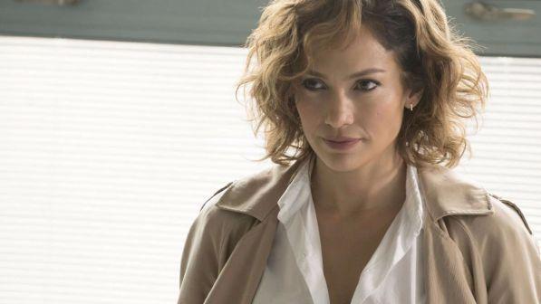 Shades of Blue, anticipazioni 5 luglio: la serie TV con Jennifer Lopez arriva stasera su Canale 5