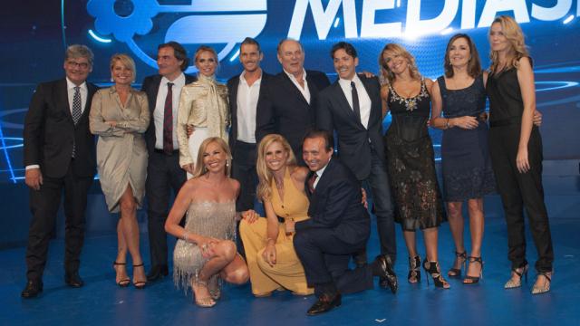Palinsesti Mediaset 2017-2018: tra conferme e novità, ecco cosa vedremo in TV su Canale 5, Italia 1 e Rete4