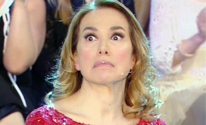Barbara d'Urso nei guai? Ai ferri corti con Mediaset, cala il gelo e la regina perde il trono