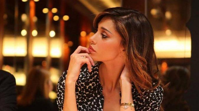 """Belen Rodriguez, fuma in aereo: """"Ho pensato ad un rapimento"""", il racconto dell'argentina"""