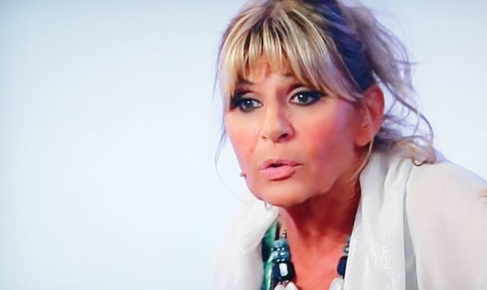 Uomini e Donne Over, Gemma Galgani nei guai: cosa va con Marco? Le ultime news