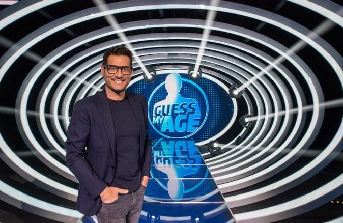 Guess my age, Indovina l'età anticipazioni: parte oggi su TV8 il nuovo programma di Enrico Papi