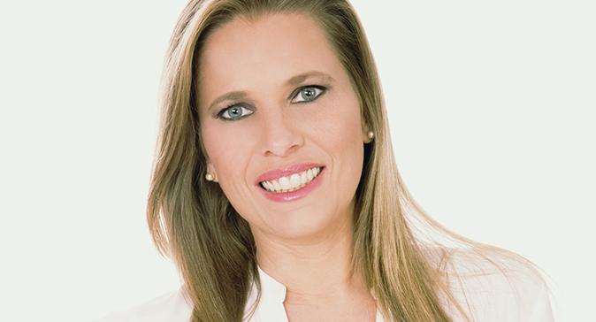 Gossip News, Laura Freddi è incinta: la showgirl diventa mamma a 45 anni, ecco chi è il compagno