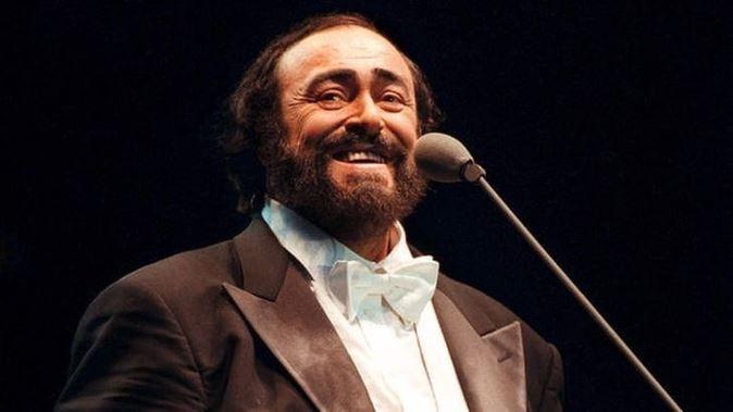 Luciano Pavarotti: l'omaggio di Canale 5 a 10 anni dalla morte, stasera il documentario in prima tv
