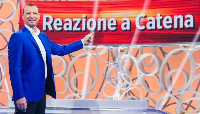Amadeus via da Reazione a Catena? I fan protestano ma il suo nome è in lizza per Sanremo 2018