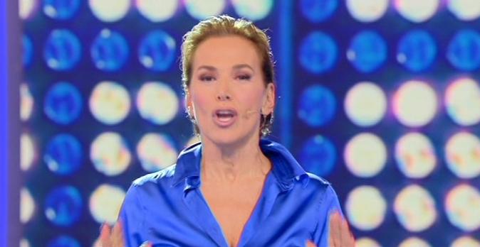 Barbara d'Urso sbotta e smentisce il gossip: Tutte le false notizie sulla De Filippi e la famiglia Berlusconi