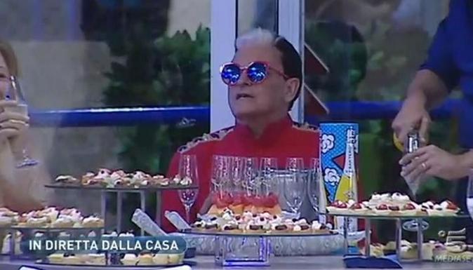 """Grande Fratello Vip 2017, News: il """"coming out"""" di Cristiano Malgioglio, Carla e Jeremias sempre più uniti"""