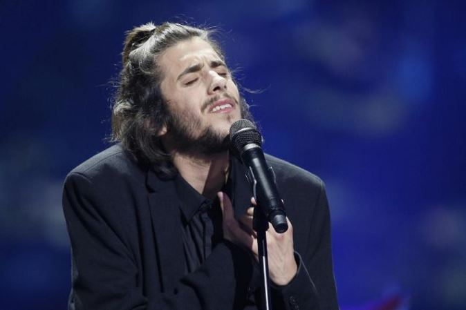 Salvador Sobral, vincitore Eurovision 2017 in gravi condizioni: ricoverato, è in attesa di un trapianto di cuore