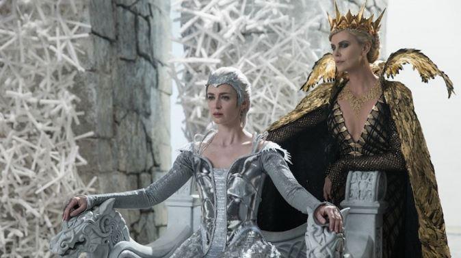 Film in Tv, Il cacciatore e la regina di ghiaccio: stasera su Canale 5 il prequel di Biancaneve e il cacciatore, info streaming