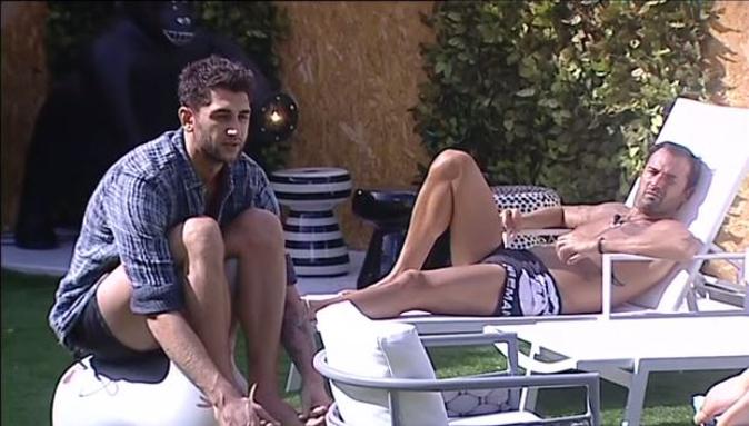 """Aida contro Jeremias, scontro al Grande Fratello Vip: """"Sei un bambino!"""", Rodriguez in nomination? [VIDEO]"""