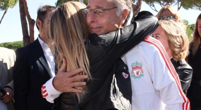 Gossip News, Laura Freddi ritrova Paolo Bonolis: pancione in vista e abbracci affettuosi